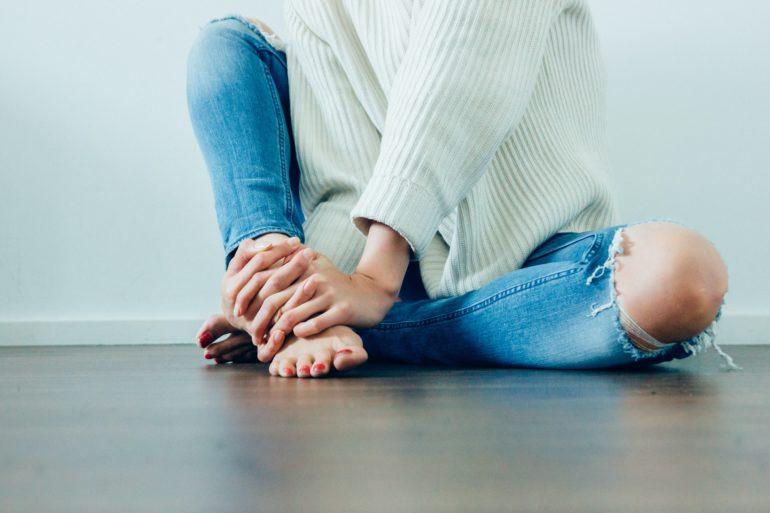 Pieds sensibles et chaussures de sécurité : les solutions